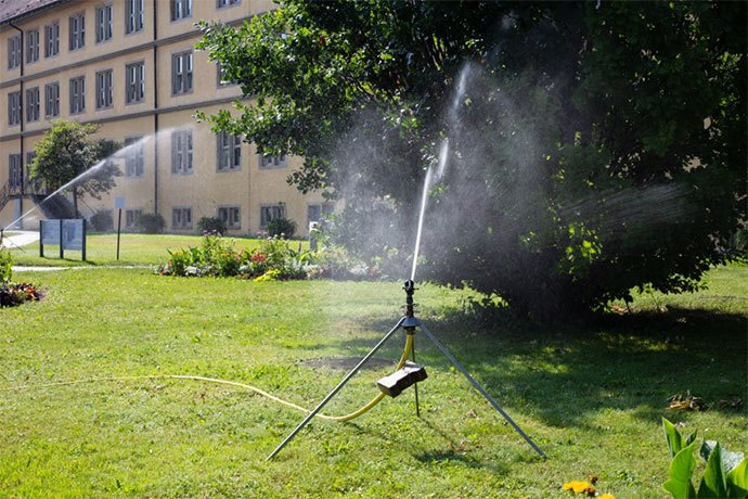 best tripod sprinkler for lawn